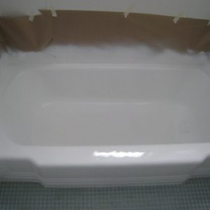 bathtub-restoration-chicago tile-reglazing-chicago