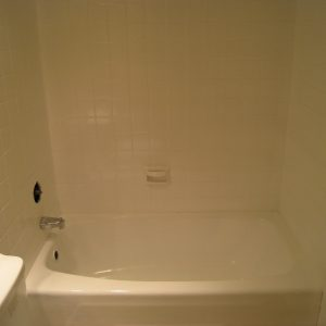 tile reglazing bathtub refinishing chicago