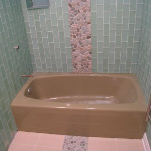 brown tub before tub refinishing chicago