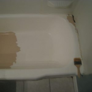 old bathtub reglazing chicago in progress