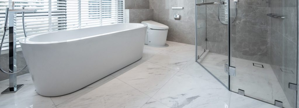 Beautiful-Large-Bathroom-White-toilet-bowl